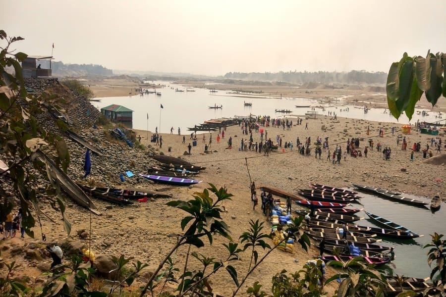 India Bangladesh border at Dawki