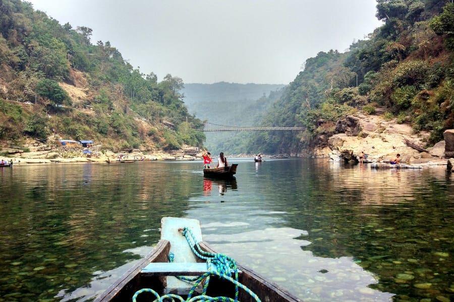 boating on dawki river